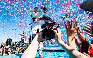 Daniel Abt shines in record heat